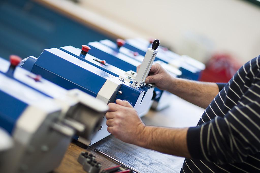 Produzione e vendita macchine affilatrici e coltelleria - Fazzini Technology